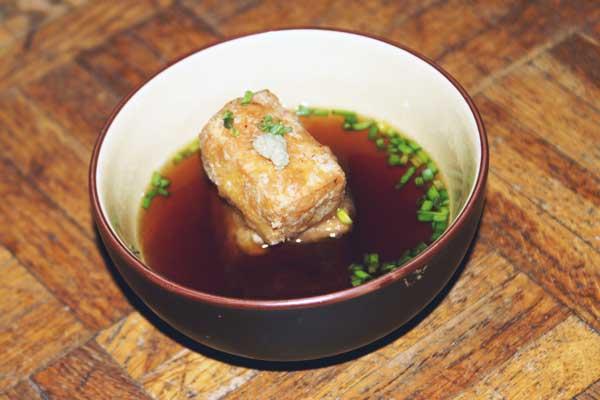 Agedashi-dôfu, tofu frit en bouillon parfumé